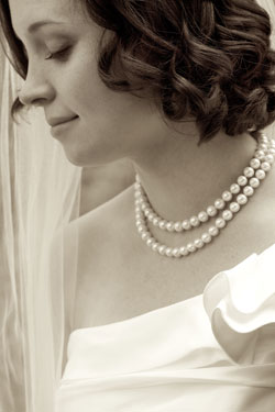 bride profile with classic pearls